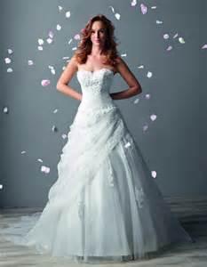 robes de mariã es tati en attendant la collection tati mariage 2016