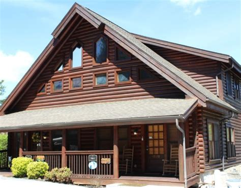 4 bedroom pet friendly cabins in pigeon forge tn biker friendly pigeon forge cabins mountain air cabins