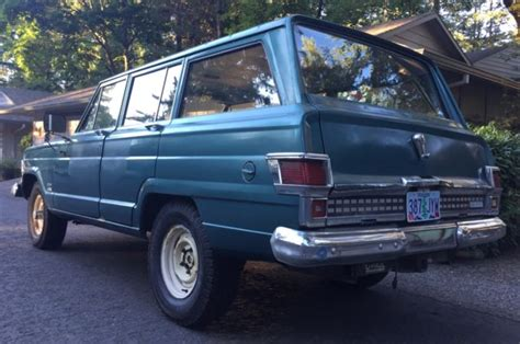 1971 jeep wagoneer 1971 jeep wagoneer 4x4 amc 360 v8 with rare t18 4sp manual