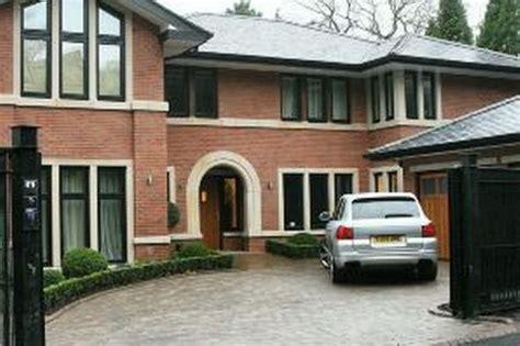 city stars bid  ronaldo house manchester evening news