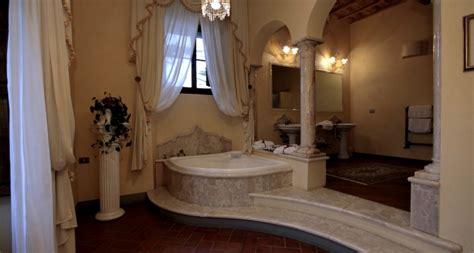weekend romantico con vasca idromassaggio in weekend romantico in toscana in villa con idromassaggio