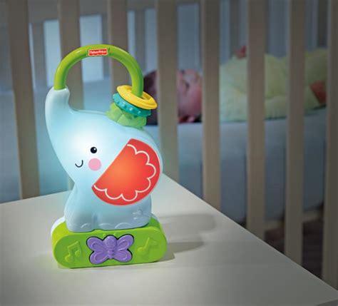 veilleuse pour chambre quelle veilleuse pour bébé dans votre chambre d 39 enfant