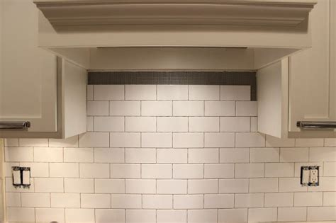 how to install backsplash in kitchen easy diy subway tile backsplash tutorial 8683