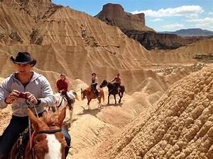 Desert Des Bardenas En 4x4 : randonn e cheval dans le d sert bardenas les ~ Maxctalentgroup.com Avis de Voitures