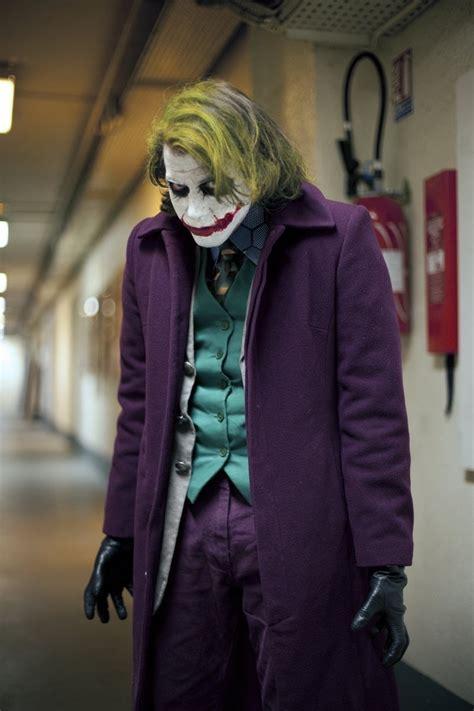 dress   joker costume halloween  cosplay guides