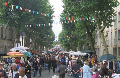 Brocante Au Square Beaurepaire à Saint-maur