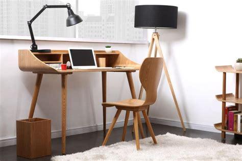 bureau treteau verre des petits bureaux pour un coin studieux joli place