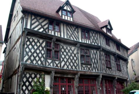 la maison du saumon chartres la maison du saumon et l escalier de la reine berthe
