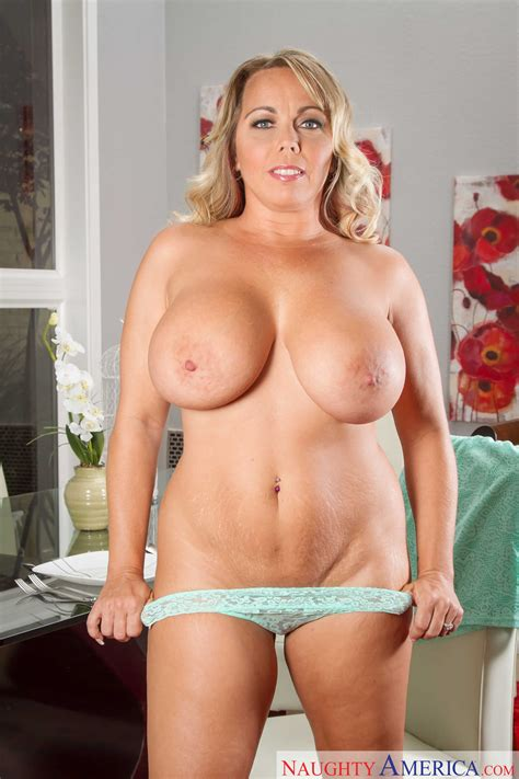 Big Titted Mom Is Ready For Sex Photos Amber Lynn Bach Milf Fox