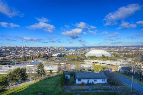 Two Bedroom Condo With Breathtaking Views Tacoma