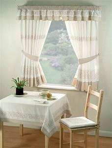 Tende cucina tendaggi for Tende per cucina classica