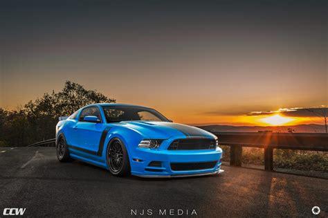 Grabber Blue Ford Mustang Boss 302
