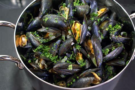 cuisiner moules moules marinières recette des moules à la marinière et