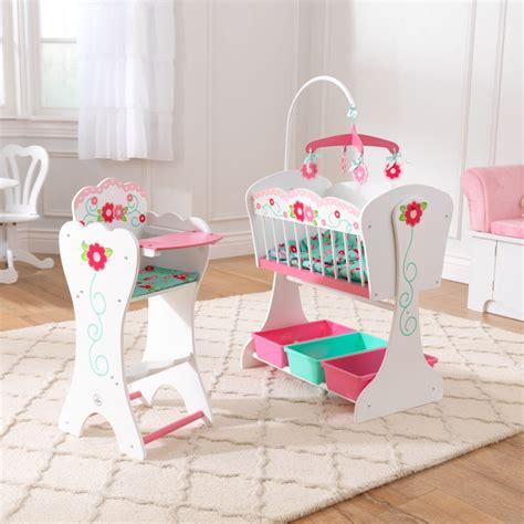 chaise haute poupée bois meubles de poupée en bois par kidkraft