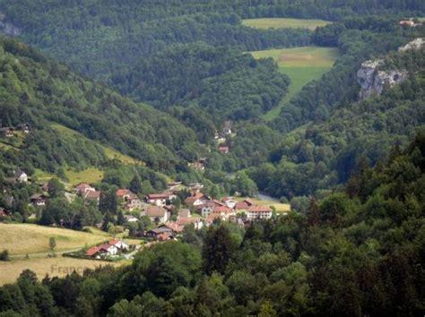 chambre franco suisse chalet cuche location de vacances à goumois doubs