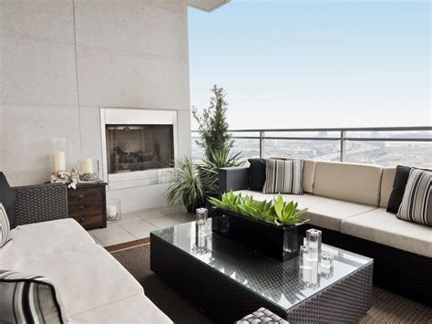 Modern Casual Patio With Strict Instructions To Create A