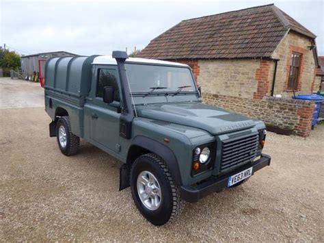 land rover defender  high capacity pick  cars