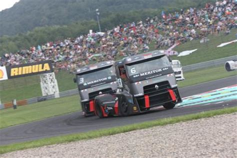volvo group trucks technology truck racing in most zwei podiumsplätze für renault