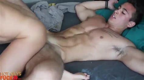 Hot Guy Fucking Thumbzilla