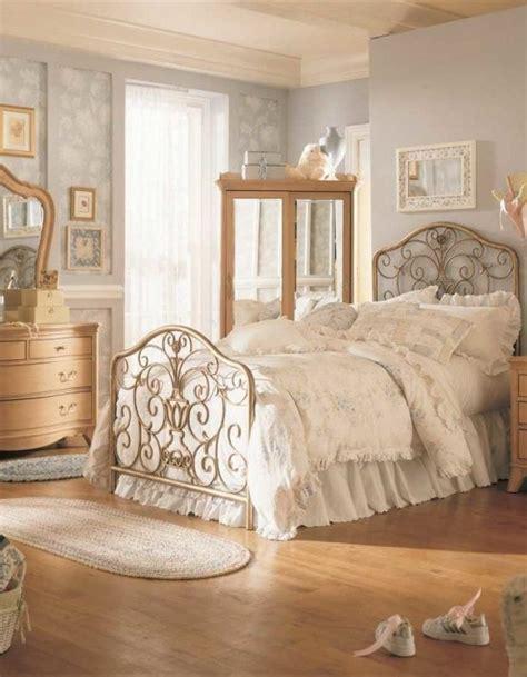 bedroom decor ideas 31 sweet vintage bedroom d 233 cor ideas to get inspired