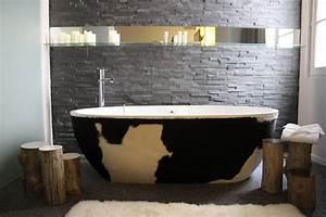 deco salle de bain avec pierre With carrelage adhesif salle de bain avec lampadaire de salon sur pied a led