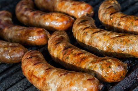 sausage recipes homemade sausage making recipes from thespicysausage com
