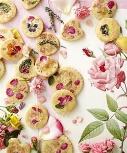 Web Exclusive: Sugar Cookies with Edible Flowers   Edible ...
