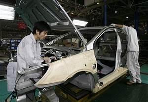 Asian stock markets tumble on weak China data