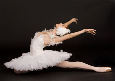 Ballerinas and Female Athletes Have 4 Times Worse Health