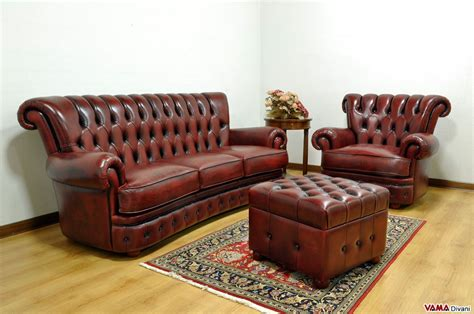 Divano Chesterfield Pelle : Buttoned Leather Sofa In The Chesterfield Style