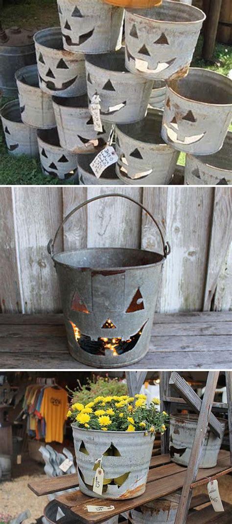 Plenty of galvanized metal bucket to choose from. Creative Ideas to Use Galvanized Buckets in Holiday Decor - Amazing DIY, Interior & Home Design