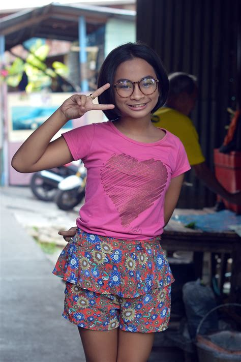 Pretty Preteen Girl With Glasses The Foreign Photographer ฝรั่งถ่ Flickr