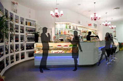 Arredi Bar Moderni by Arredamento Bar Moderno