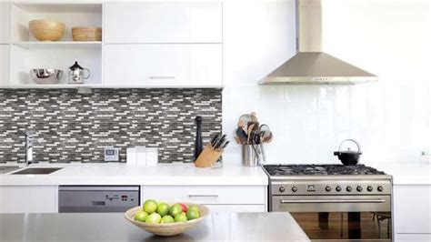 carrelage adh駸if mural cuisine carrelage auto adhesif cuisine maison design bahbe com