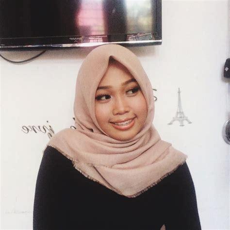 zila wahidah - YouTube