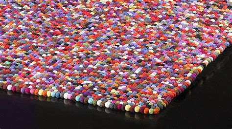 tapis  boules de laine multicolores tapis laine haut