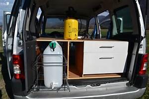 Le Camping Car : le camping car en l 39 air pour la terre ~ Medecine-chirurgie-esthetiques.com Avis de Voitures