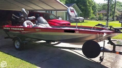 Bass Tracker Boat Trailer Specs by 2013 Used Bass Tracker Pro Team 175 Txw Bass Boat For Sale