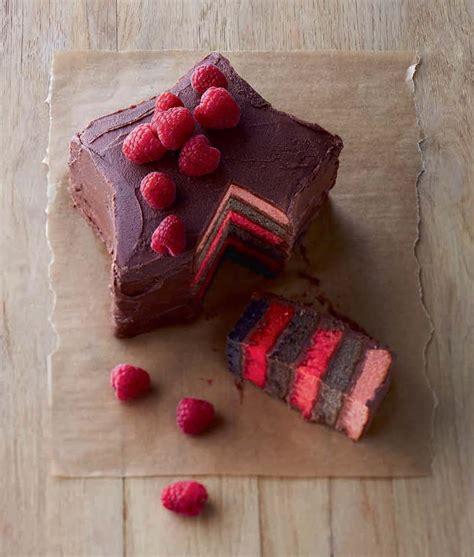 rainbow cake framboise  chocolat hachette pratique