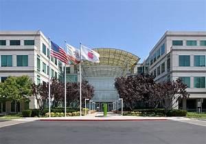 File:Apple Headquarters in Cupertino.jpg - Wikipedia