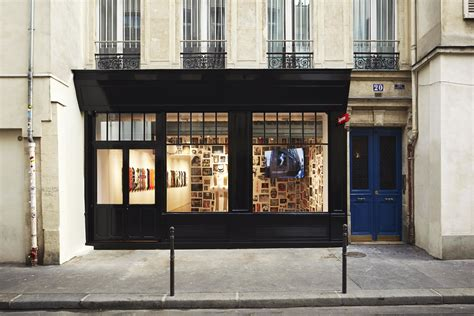 Suprem Store by Supreme Store Shopping In Le Marais