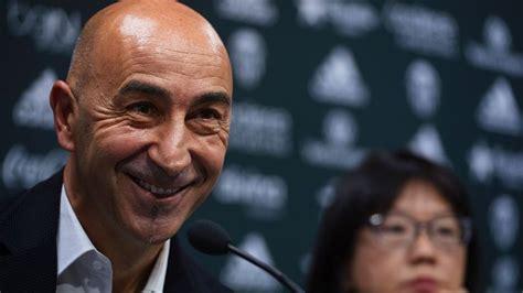 valencia coach valencia coach pako ayestaran takes blame for slow la liga