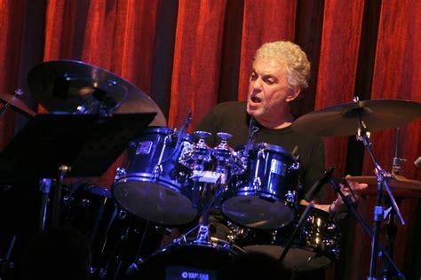 Steve Gadd Band Featuring Michael Landau, Larry Goldings