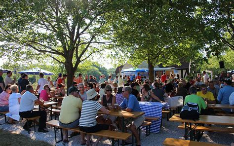 Milwaukee Beer Garden by 15 Beer Gardens In America You Have To Visit Before You