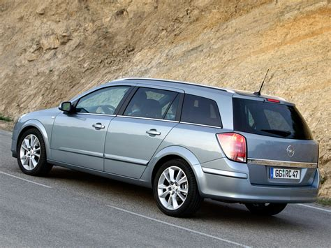 Opel Astra Caravan by Opel Astra Caravan Specs 2004 2005 2006 2007 2008