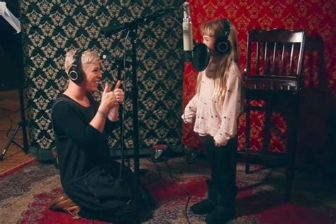 Pink's 7-year-old Daughter Willow Sings A Verse Of 'a