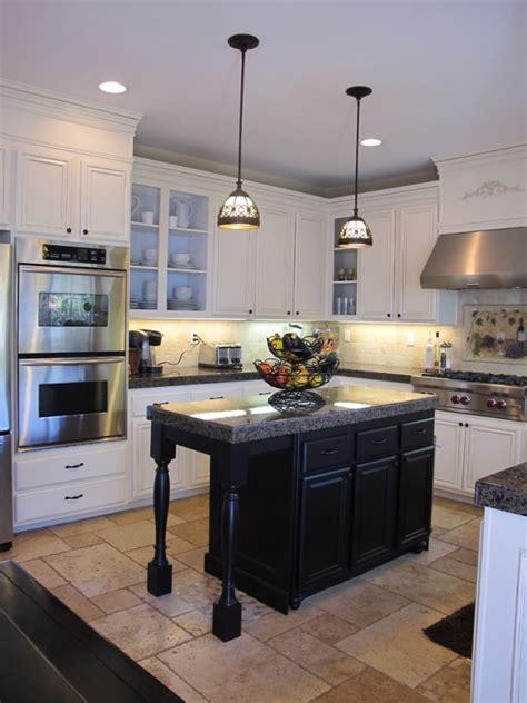 hanging lights island in kitchen