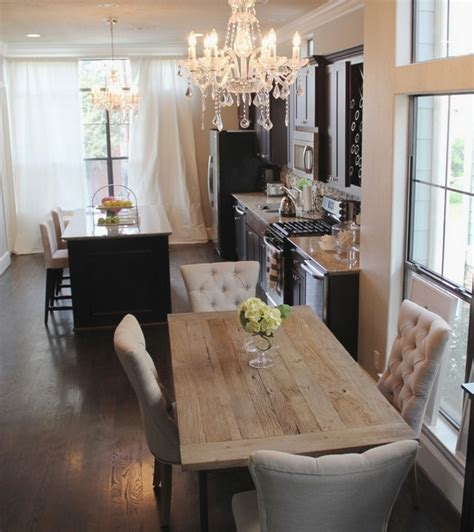 cozy decor ideas    years eve dining room