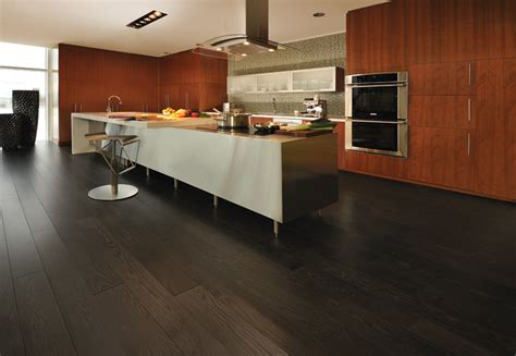 kitchen ideas with hardwood floors piso laminado 233 bom para instalar em casa faz simples 9387