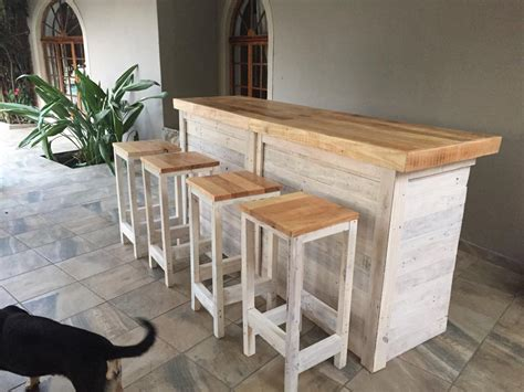 canape en palette bois bar counter with stools from pallet wood pallet ideas